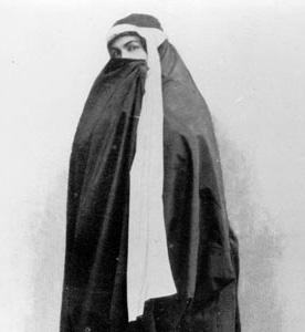 به بهانه ۱۷ دی؛ از نقش اول مأموریت کشف حجاب رضاخانی تا متمدن شدن گرسنگان!