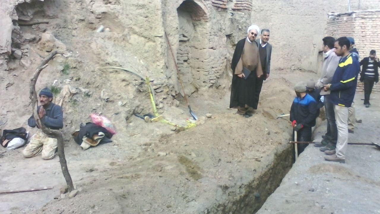 بازدید نماینده مردم گناباد از پروژه کاشی هستی و گاز رسانی به روستاهای شهرستان گناباد+ تصاویر