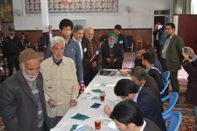 گزارش تصویری / حضور مردم در آغازین ساعات رای گیری در گناباد