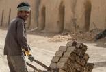 بیشتر کارگرانِ «سرگذر» های گناباد غیربومی هستند